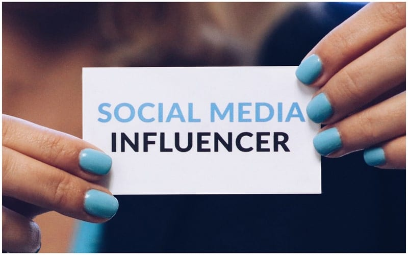 infleunceur-médias-sociaux-min